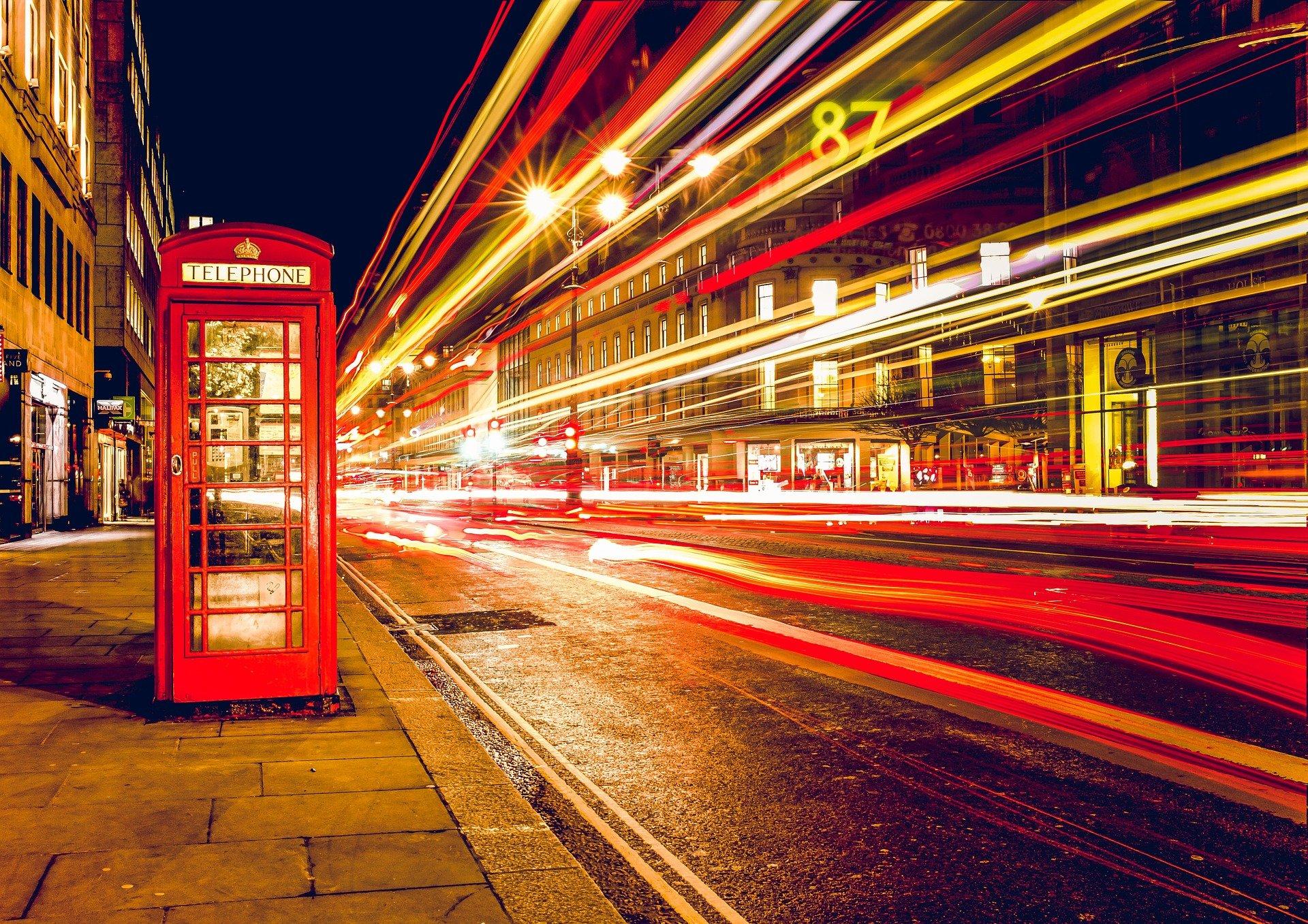 London_telephone-booth