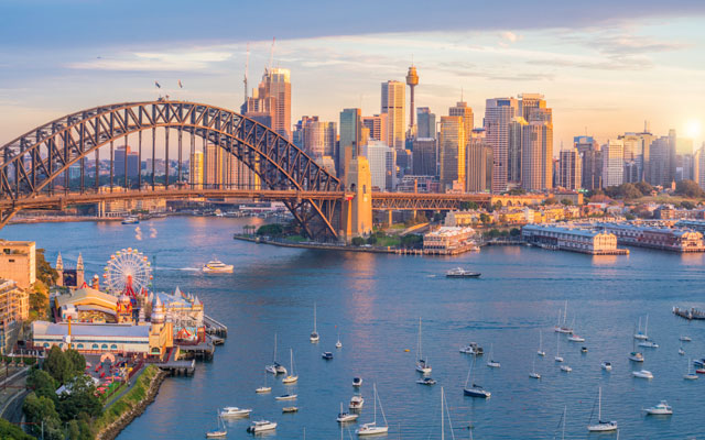 Downtown-Sydney-skyline-in-Australia