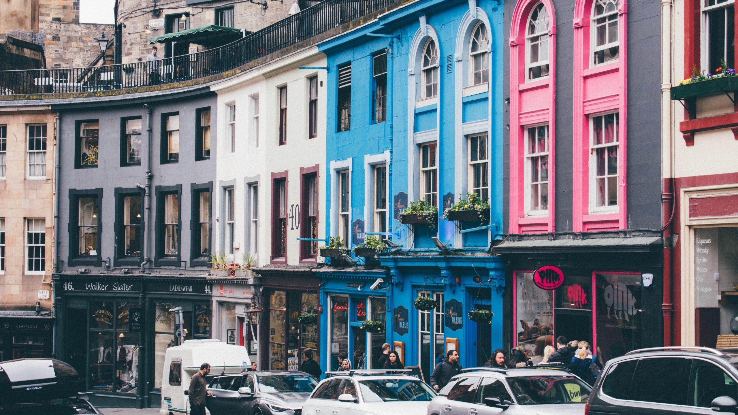 Victoria Street, Edinburgh - Unpslash.com