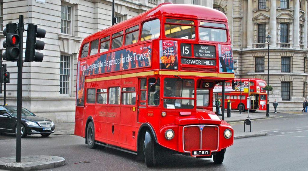 Xe buýt ở Anh