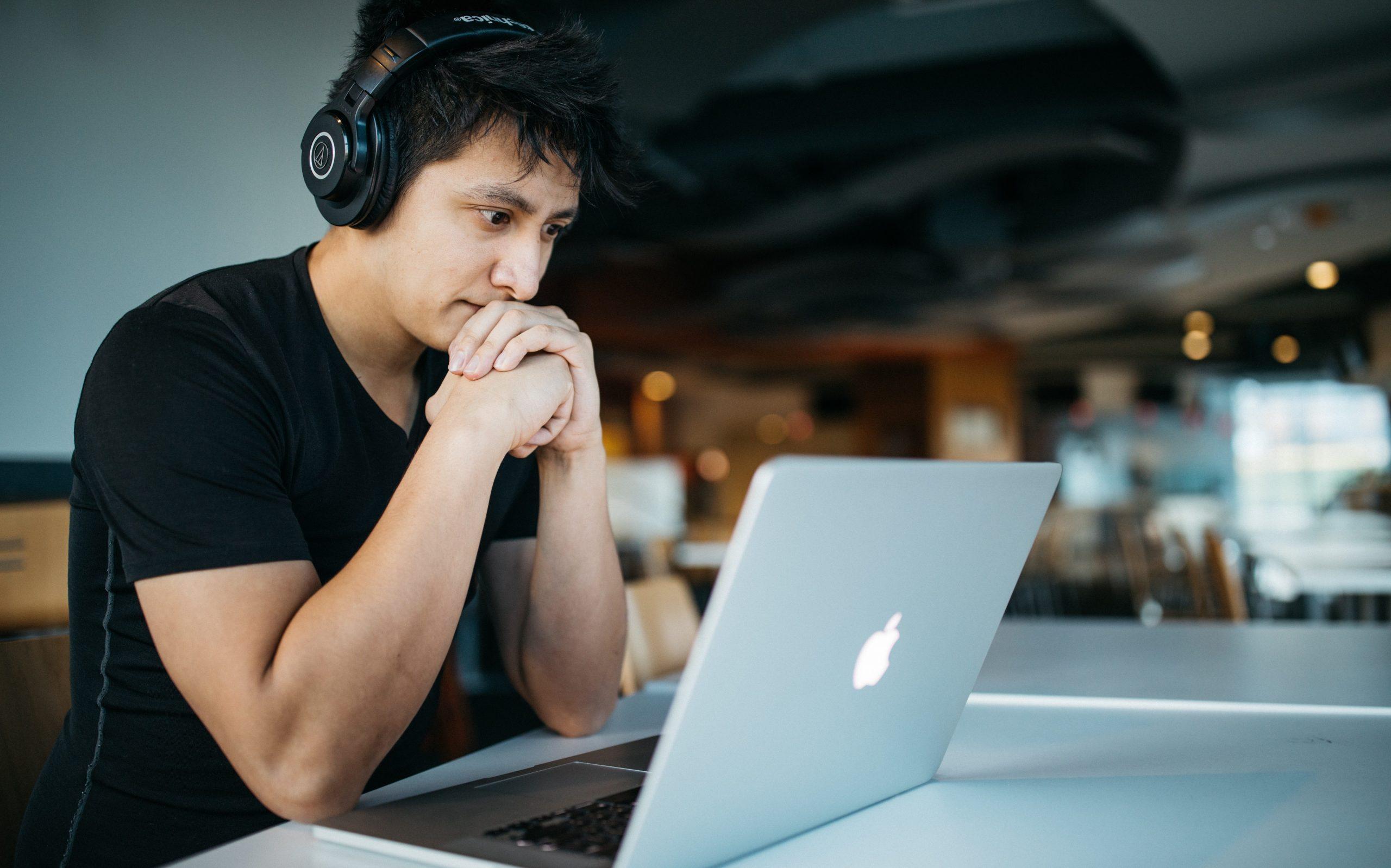 Bạn sẽ bắt đầu học sau một năm kể từ ngày bạn xin học bổng thành công