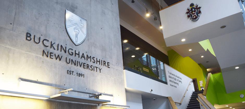 Đại học Buckinghamshire New là một trong những trường có học phí thấp nhất tại Anh
