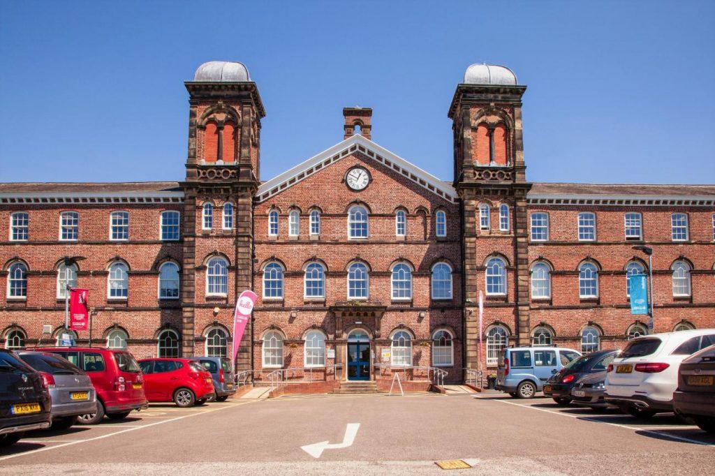 Đại học Cumbria có mức học phí thấp nhất dành cho sinh viên quốc tế