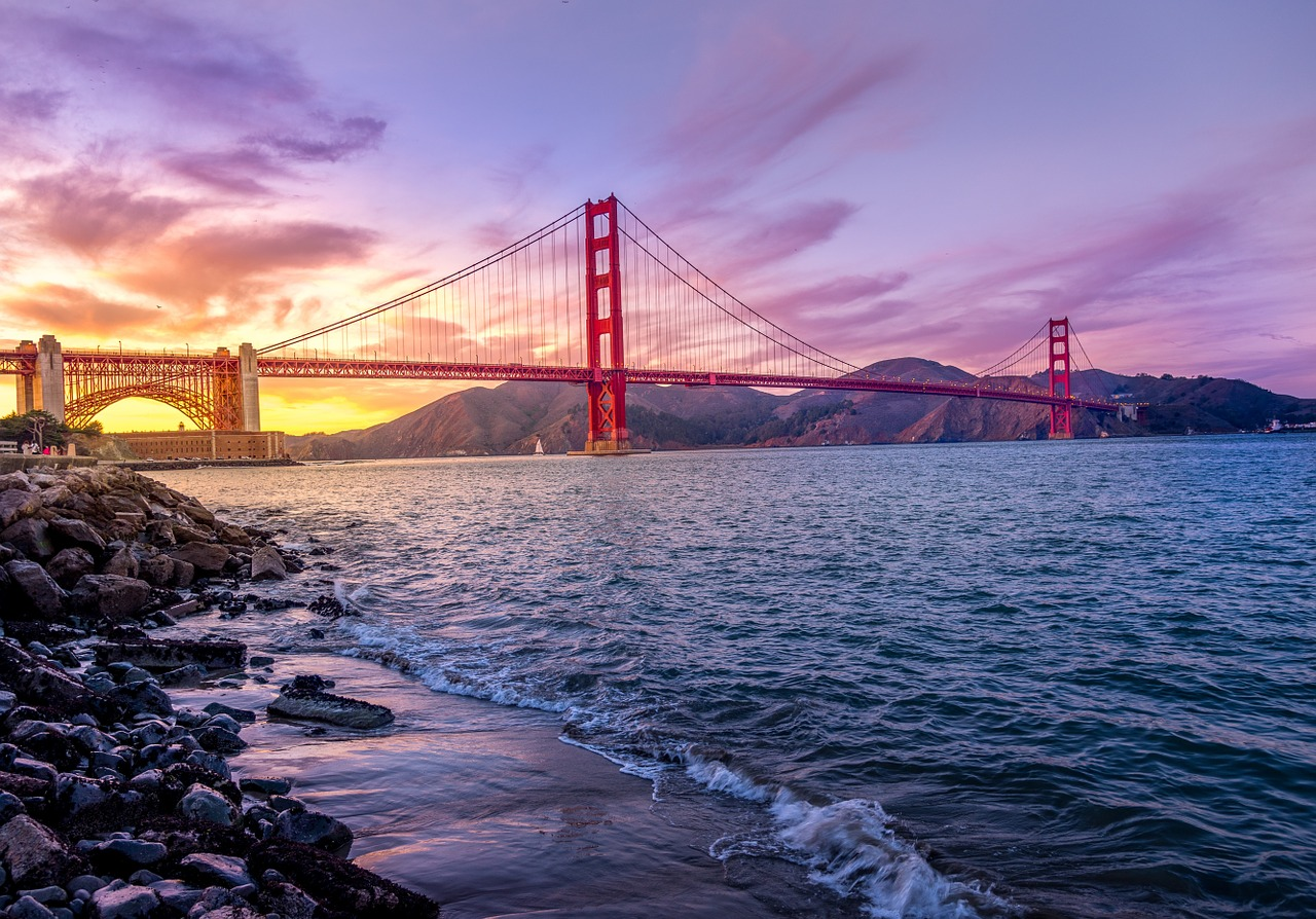 golden-gate-bridge-1149942_1280
