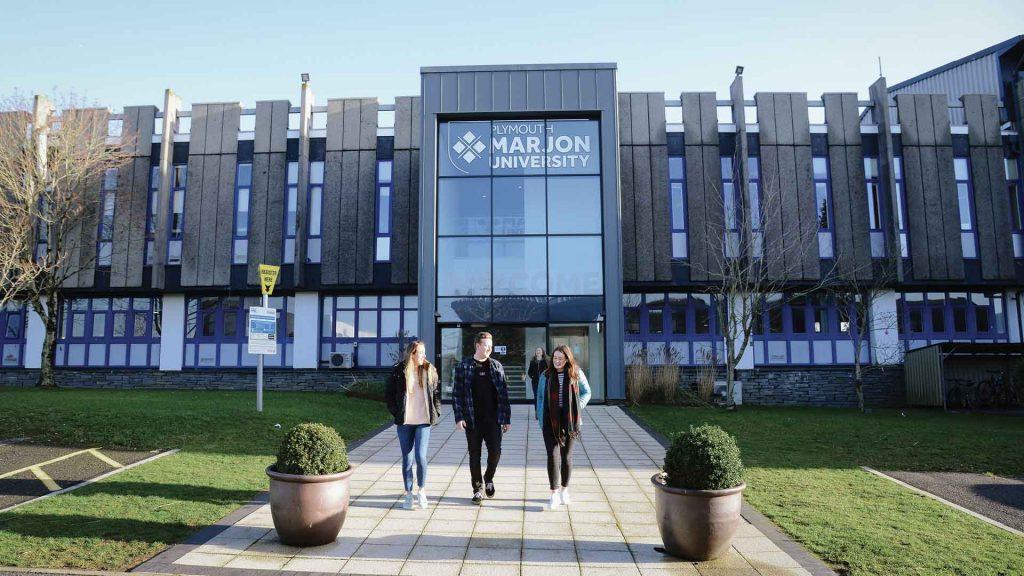Đại học Plymouth Marjon là một trong những trường có học phí thấp tại Anh