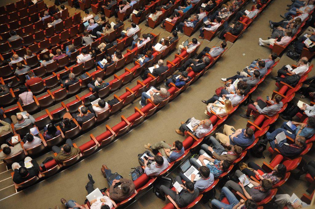 Ngành Quan hệ quốc tế học những gì?