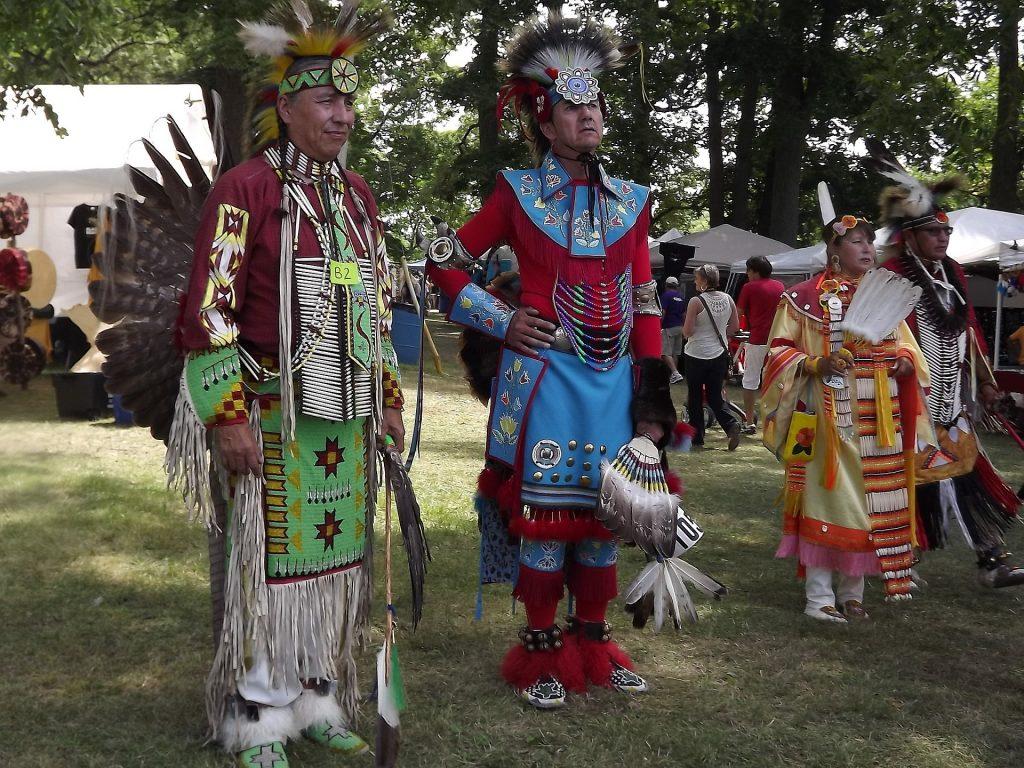 Văn hóa Canada bản địa